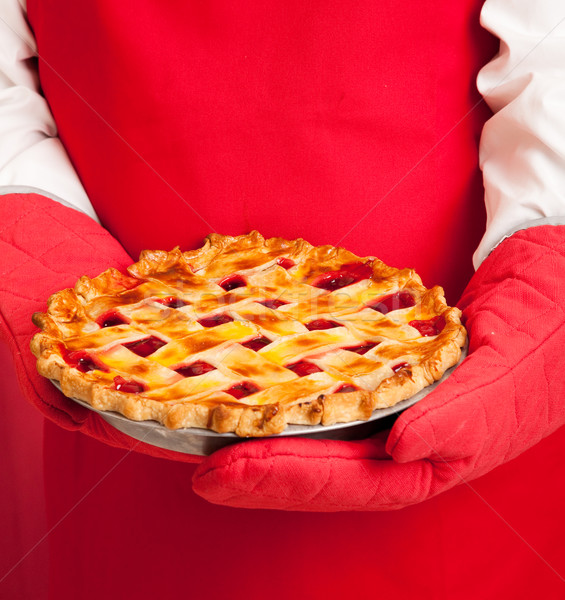Stock fotó: Felső · házi · készítésű · cseresznyés · pite · közelkép · kezek · sütő