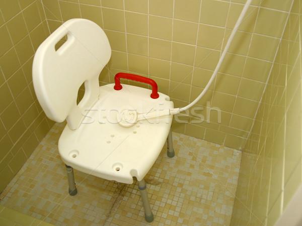 Médico chuveiro cadeira spray ferido Foto stock © lisafx