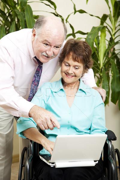 Iş ekibi çevrimiçi Internet netbook'lar bilgisayar kadın Stok fotoğraf © lisafx