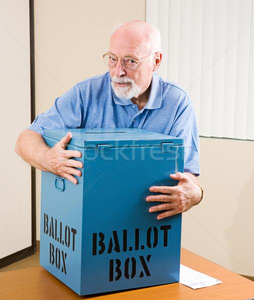 Rubare elezioni senior uomo scrutinio finestra Foto d'archivio © lisafx