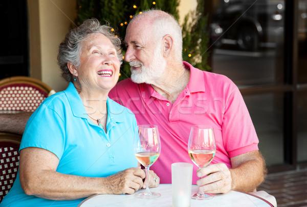Casal de idosos vinho conversa café juntos Foto stock © lisafx