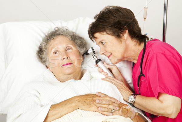 Hastane muayene kıdemli kadın hemşire sağlık Stok fotoğraf © lisafx
