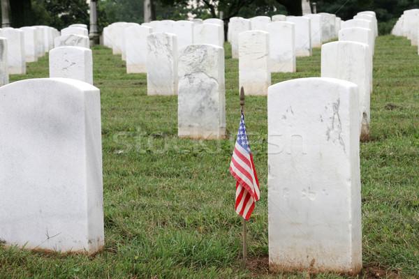 Soldados grave bandeira americana militar cemitério guerra Foto stock © lisafx