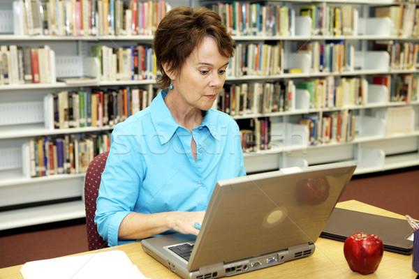 Escolas biblioteca pesquisa bastante bibliotecário on-line Foto stock © lisafx