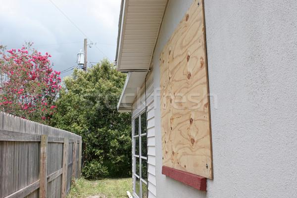 Ablak vihar védelem otthon furnérlemez előkészítés Stock fotó © lisafx