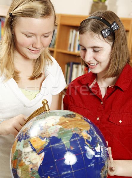Lycée géographie deux Teen école filles Photo stock © lisafx