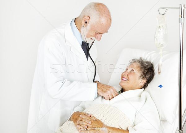 Exame médico bonito médico sorridente hospital paciente Foto stock © lisafx