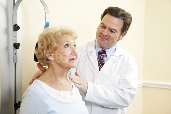 Chiropractor doktor yaşlı hasta tıbbi Stok fotoğraf © lisafx