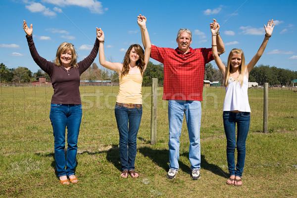 Família louvor alegria belo ao ar livre fazenda Foto stock © lisafx