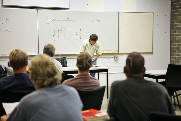 Kształcenie dorosłych elektryczne obwodu klasy elektrycznej skupić Zdjęcia stock © lisafx