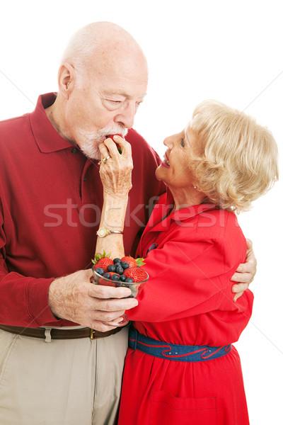 Egészséges idős pár eszik bogyók fitt feleség Stock fotó © lisafx