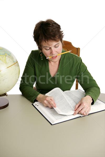Kütüphane araştırma orta yaşlı öğrenci kütüphaneci yalıtılmış Stok fotoğraf © lisafx