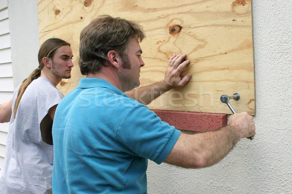 Orkaan teamwerk vader zoon Windows Stockfoto © lisafx