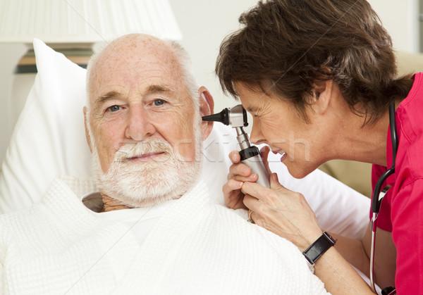 Foto stock: Casa · salud · enfermera · orejas · altos · hombre