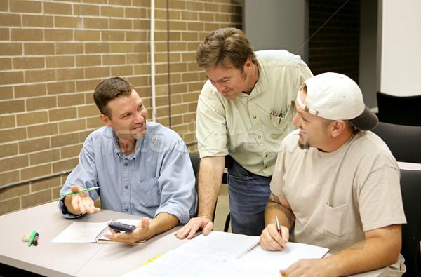Adulto trabajo en equipo la educación de adultos estudiante problemas Foto stock © lisafx