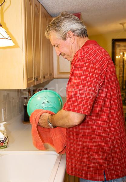 бакалавр жизни зрелый человек мытье посуды кухне разведенный Сток-фото © lisafx