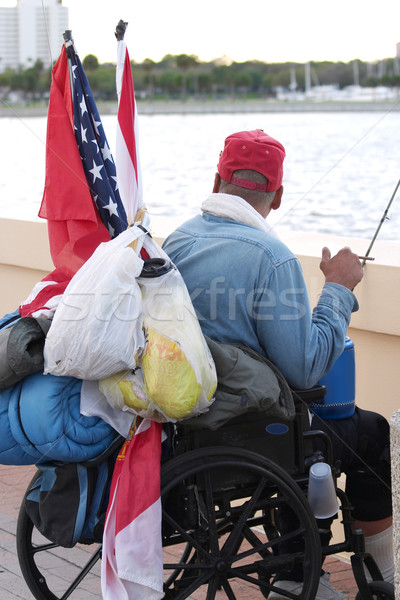 Hajléktalan állatorvos veterán tolószék városi táska Stock fotó © lisafx
