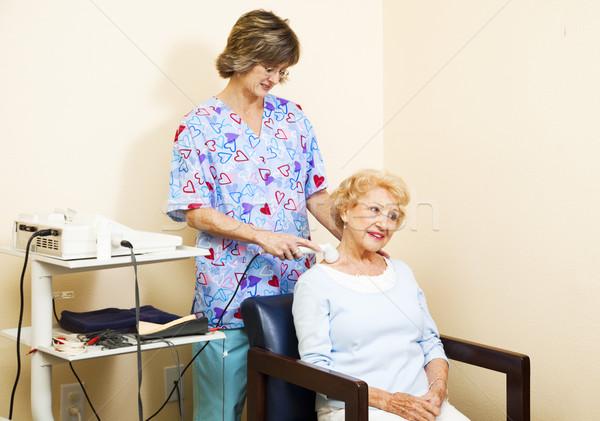 Senior vrouw ultrageluid therapie nekpijn fitness Stockfoto © lisafx