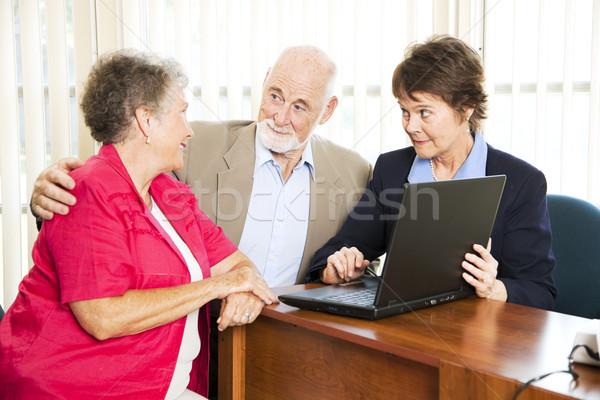 Zdjęcia stock: Starszy · para · doradca · finansowy · dochód · komputera · kobieta