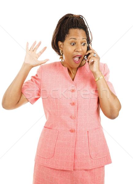 Izgalmas hírek telefon gyönyörű afroamerikai nő Stock fotó © lisafx