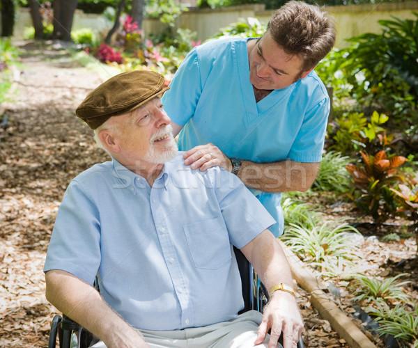 Ouderen patiënt verpleegkundige gehandicapten senior man Stockfoto © lisafx