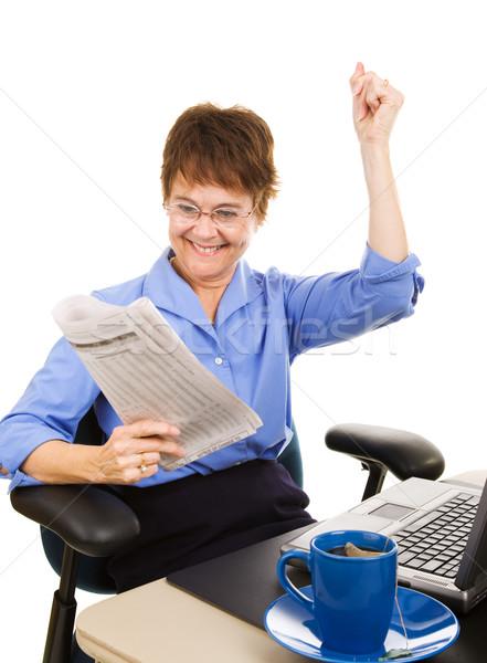 Financiële nieuws rally zakenvrouw gelukkig geïsoleerd Stockfoto © lisafx
