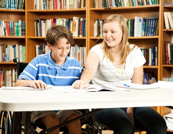 Student mentoring programma tienermeisje gehandicapten jongen Stockfoto © lisafx
