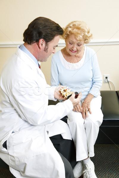 Rdzeniowy model kręgarz starszy pacjenta Zdjęcia stock © lisafx