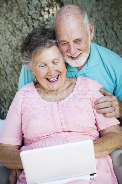 Yaşlılar bağlamak netbook'lar dokunmayın torunlar Stok fotoğraf © lisafx