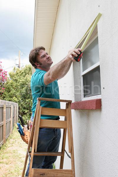 Carpinteiro windows handyman tempestade Foto stock © lisafx