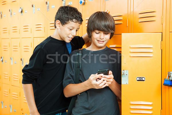 Videogioco scuola due ragazzi adolescenti giocare sorriso Foto d'archivio © lisafx
