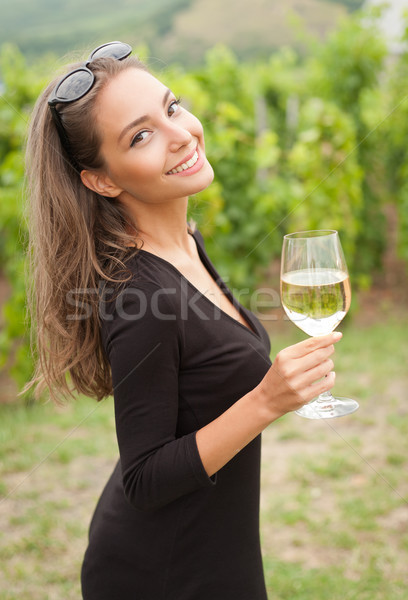 Esmer güzellik şarap eğlence portre Stok fotoğraf © lithian
