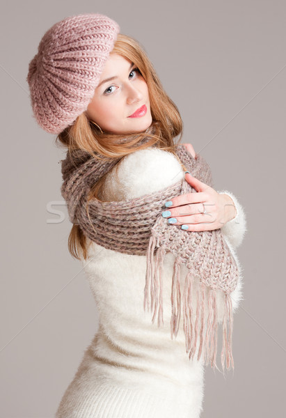 Warm gezellig portret mooie jonge vrouw kleding Stockfoto © lithian