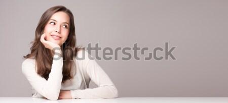 Expressivo morena beleza retrato jovem Foto stock © lithian