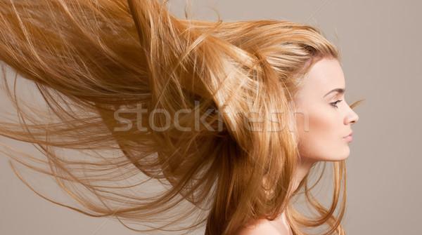 Elképesztő folyik szőke haj portré gyönyörű Stock fotó © lithian