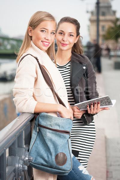 Student vrienden portret twee prachtig jonge Stockfoto © lithian