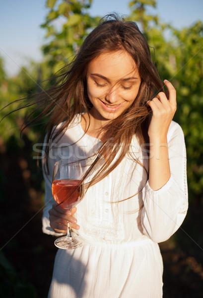 Morena mujer vino diversión retrato Foto stock © lithian