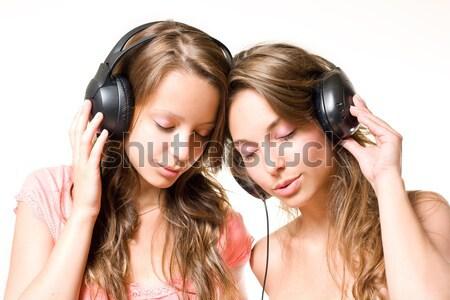 Sintonia dois morena adolescentes Foto stock © lithian