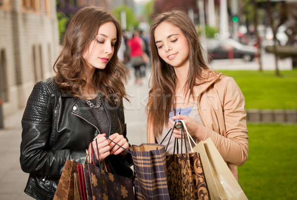 Winkelen tour paar mooie jonge brunette Stockfoto © lithian