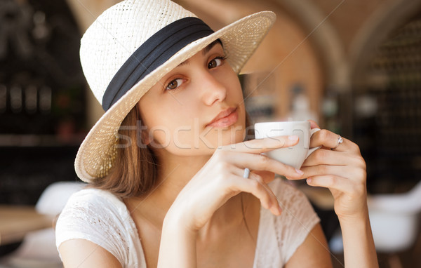 Retrato jovem morena mulher café expresso Foto stock © lithian