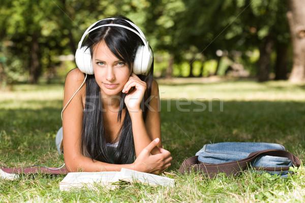 Genç öğrenci kız park portre öğrenme Stok fotoğraf © lithian