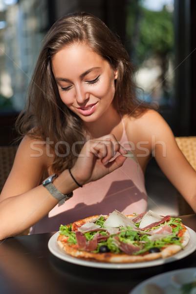 Jovem turista mulher local restaurante Foto stock © lithian