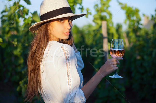 Jovem morena beleza retrato menina vinho Foto stock © lithian