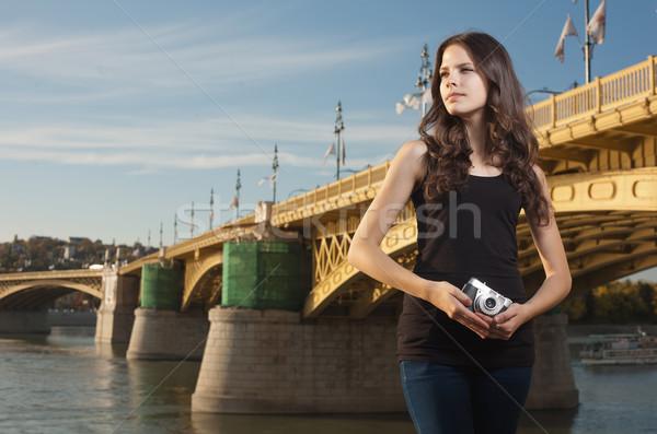 Kunstenaar held jonge fotograaf meisje heroïsch Stockfoto © lithian