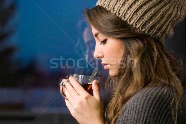 Fiatal barna hajú forró tea portré álomszerű Stock fotó © lithian