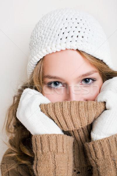 Frío hermosa invierno moda nina cuello de tortuga Foto stock © lithian