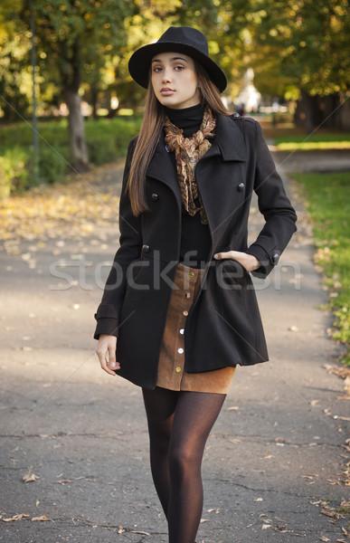 Stock fotó: ősz · divat · szépség · portré · fiatal · barna · hajú