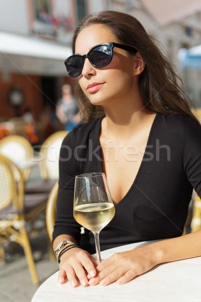 Stok fotoğraf: Esmer · güzellik · şarap · eğlence · portre
