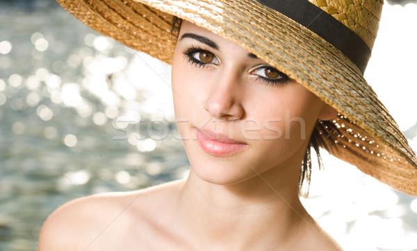 Nyári szabadság érzés portré gyönyörű fiatal barna hajú Stock fotó © lithian