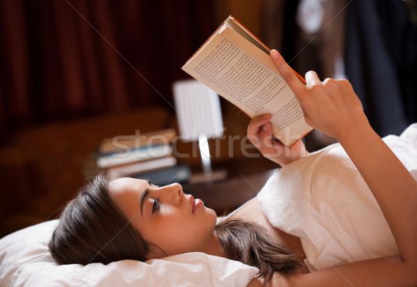 Nagyszerű könyv káprázatos fiatal barna hajú nő Stock fotó © lithian